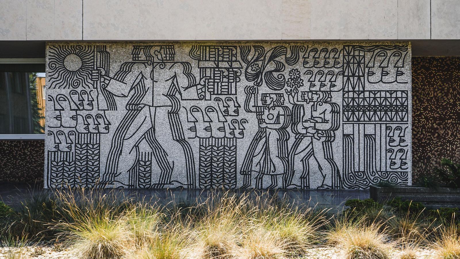 mozaika okresného súdu v trenčíne